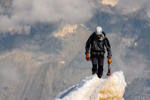 homme alpiniste montagne